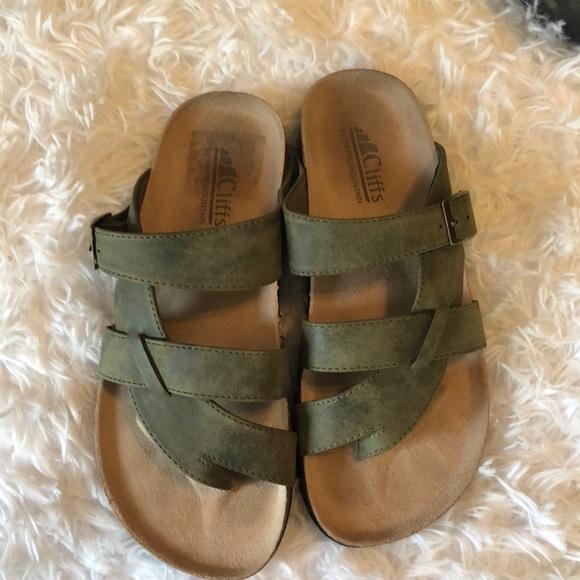 9c0bf30a5803 NWOT Birkenstock styles sandles. M 5aa1850d077b972f547d0955